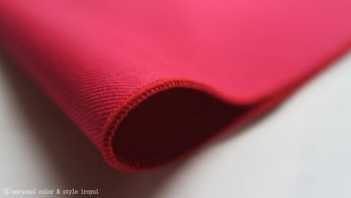 ウィンターの赤いドレープ