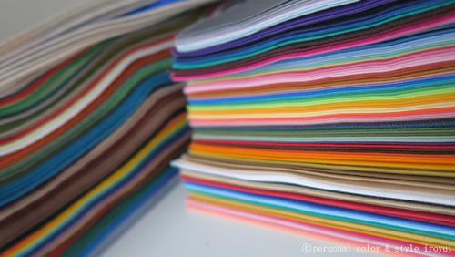 いろ結いにある300枚パーソナルカラー用ドレープ