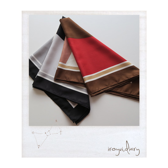 パーソナルカラーのウィンターとオータムのスカーフの色