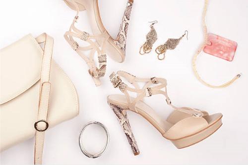 アクセサリーと靴